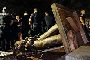 UNC's Silent Sam statue toppled